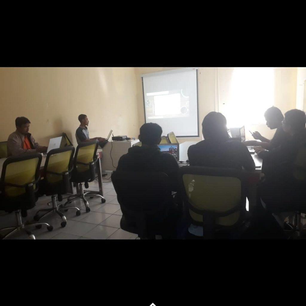 pelatihan-membuat-website-1024x1024 Workshop Coding Talk #20 Laravel